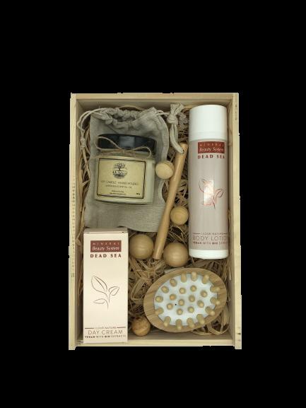 Кутия 4A Natural, веган козметика за лице и тяло.