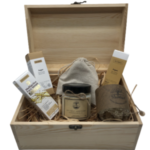 Подаръчна кутия от 4A Natural, грижа за лице с арган.